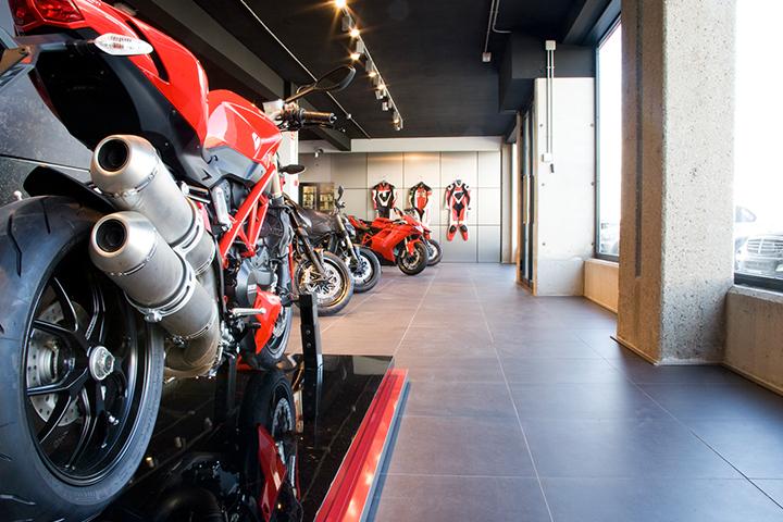 Ducati Motodealer
